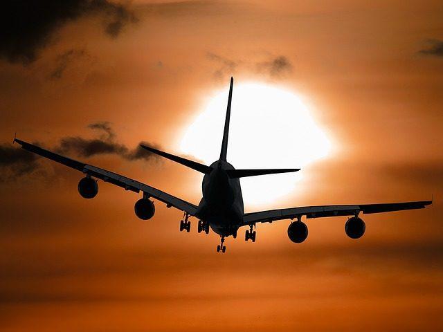 Crown Point, der internationale Flughafen von Tobago, ist gut mit dem Flugzeug ab Deutschland und anderen europäischen Ländern zu erreichen. Tobago-Live informiert über die Anreise z.B mit Condor Direktflug ab Frankfurt. Bild (C) Pixabay