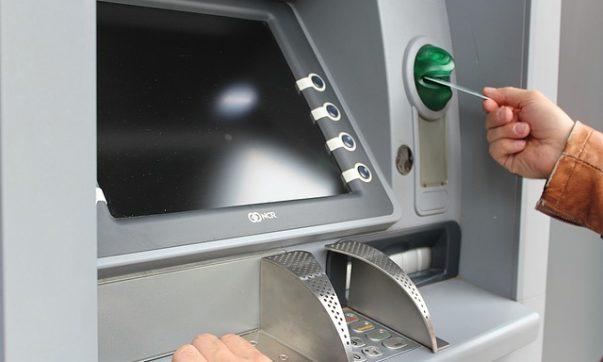 Auf Tobago wird überwiegend mit Bargeld bezahlt. Auch Kreditkarten werden imm er häufiger akzeptiert Tobago-Live informiert über die Standorte von Geldautomaten auf Tobago. Bild (C) Pixabay