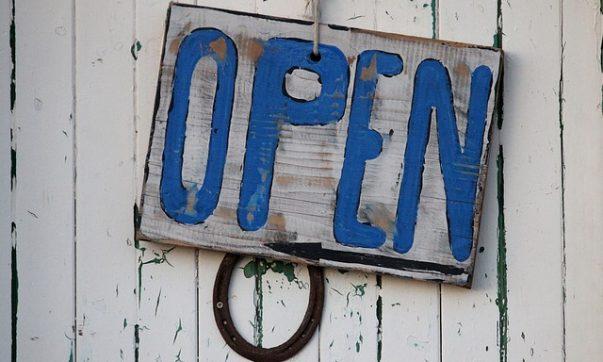 Öffnungszeiten auf Tobago. Bild (C) Pixabay