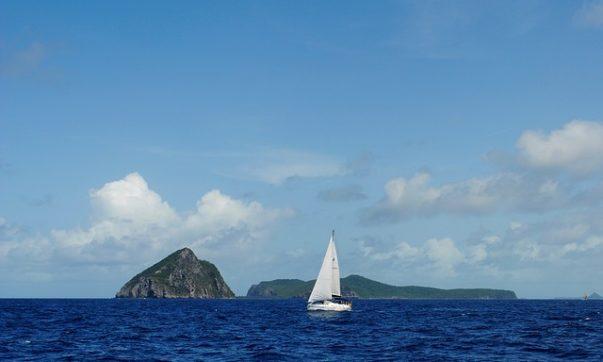 Tobago ist ein Paradies zum Surfen und Segeln. Die Küsten am Atlantik und der Karibik bieten die richtigen Spots für alle Ansprüche. Bild (C) Pixabay