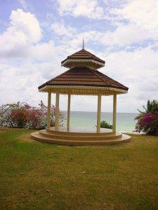 Pavillon z.B. zur Hochzeit in Canoebay am südlichen Atlantik auf Tobago