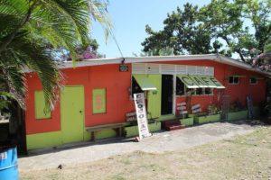 Shore Things Cafe auf Tobago ist ein gutes Restaurant, Cafe, Bistro und Laden für Souvenirs auf Tobago und Trinidad und Tobago in der Karibik.