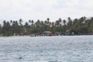 Pigeon Point auf Tobago in der Karibik in Trinidad und Tobago liegt auf der Rückfahrt mit dem Katamaran Picante bei einem Tagesauflug zum Schnorcheln