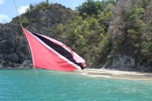 Wir verlassen mit dem Katamaran Picante die Cotton Bay auf Tobago in der Karibik in Trinidad und Tobago. Wir waren Schnorcheln und Sonnenbaden.